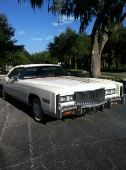 1976 Cadillac Eldorado Bicentennial 1256 - front 2.jpg