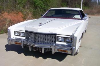 1976 Cadillac Eldorado Bicentennial 1256 - front 3.jpg