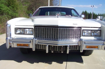 1976 Cadillac Eldorado Bicentennial 1256 - front 4.jpg