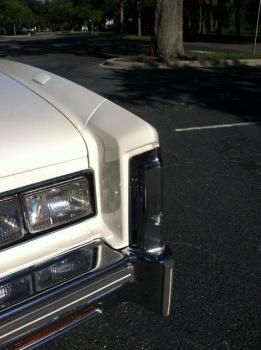 1976 Cadillac Eldorado Bicentennial 1256 - left headlight.jpg