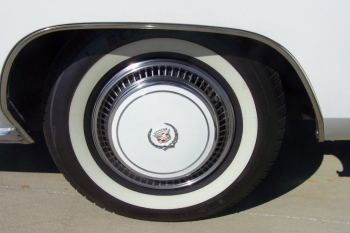 1976 Cadillac Eldorado Bicentennial 1256 - left rear wheel.jpg