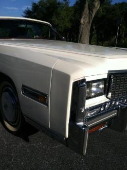1976 Cadillac Eldorado Bicentennial 1256 left headlight.jpg
