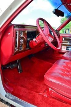 1990 Cad Fleetwood Brougham - c1270  (4).jpg