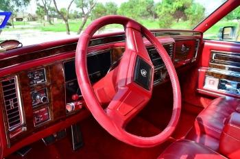 1990 Cad Fleetwood Brougham - c1270  (5).jpg