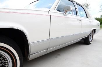 1990 Cad Fleetwood Brougham - c1270  (11).jpg