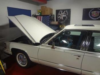 1991 Cadillac Brougham JF C1286 (1u).jpg