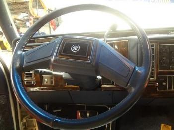 1991 Cadillac Brougham JF C1286 (26).jpg