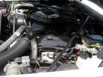 1985 Cadillac Eldorado Biarritz Convertible C1287 Engine (2).jpg