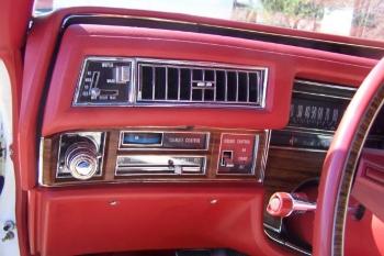 1976 Cadillac Eldorado ConvertibleBicentennial(C1314)-Int (13).jpg