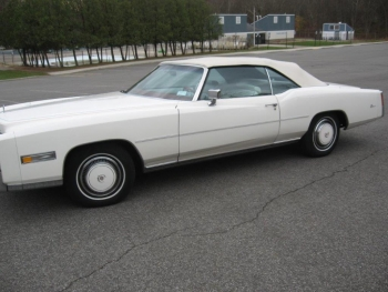 1976 Cadillac Eldorado ConvertibleBicentennial(C1314)-EXT (26).jpg