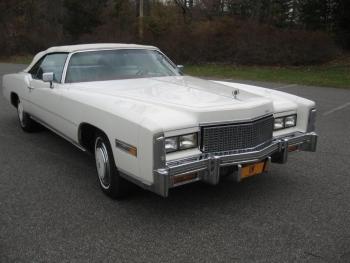 1976 Cadillac Eldorado ConvertibleBicentennial(C1314)-EXT (32).jpg