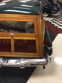 1949 Cadillac Woodie Wagon C1317-Exd 02.jpg