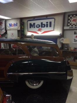 1949 Cadillac Woodie Wagon C1317-Ext 06.jpg