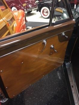 1949 Cadillac Woodie Wagon C1317-Int 04.jpg