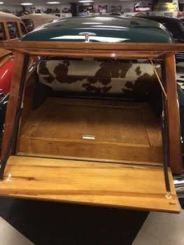 1949 Cadillac Woodie Wagon C1317-Trunk 01.jpg