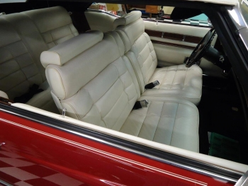 1976 Cadillac Eldorado Convertible C1321-Int 03.jpg