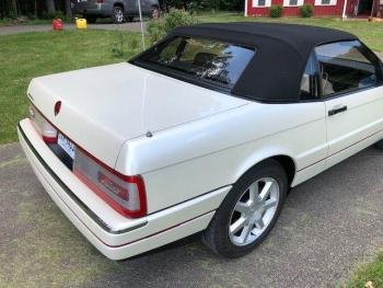 1993 Cadillac Allante C1322-Ext 08.jpg