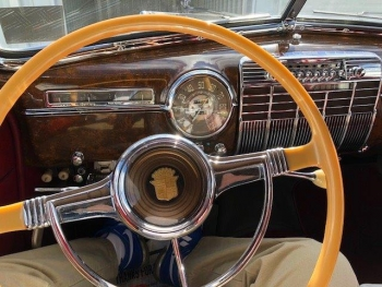1941 Cadillac Convertible C1335-Int 3.jpg