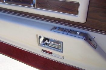 1976 Cadillac Eldo-Conv C1339-Int 15.jpg
