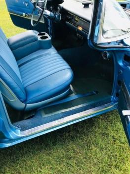 1960 Cadillac 62 Series Flat Top C1354-Int 2.jpg