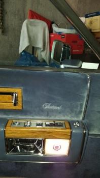 1983 Cadillac Fleetwood Brougham C1302 - Int (9).jpg