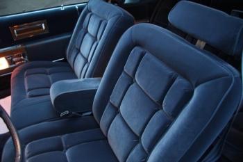 1983 Cadillac Fleetwood Brougham C1302 - Int.jpg