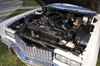 1976 Cadillac Eldorado ConvertibleBicentennial(C1314)-Eng (2).jpg