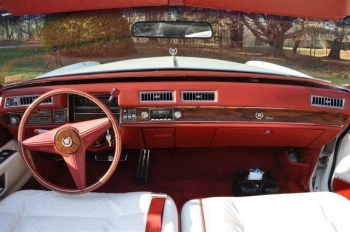1976 Cadillac Eldorado ConvertibleBicentennial(C1314)-Int (3).jpg