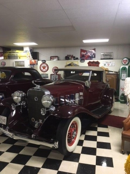 1932 Cadillac Roadster C1316-Ext 01.jpg