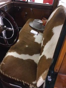 1949 Cadillac Woodie Wagon C1317-Int 01.jpg