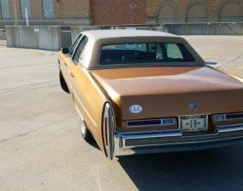 1976 Cadillac Fleetwood E\'legante C1323-Ext (1).jpg