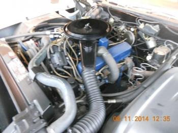 1976 Cadillac Eldorado Bi-Centenial C1348- Eng 2.jpg
